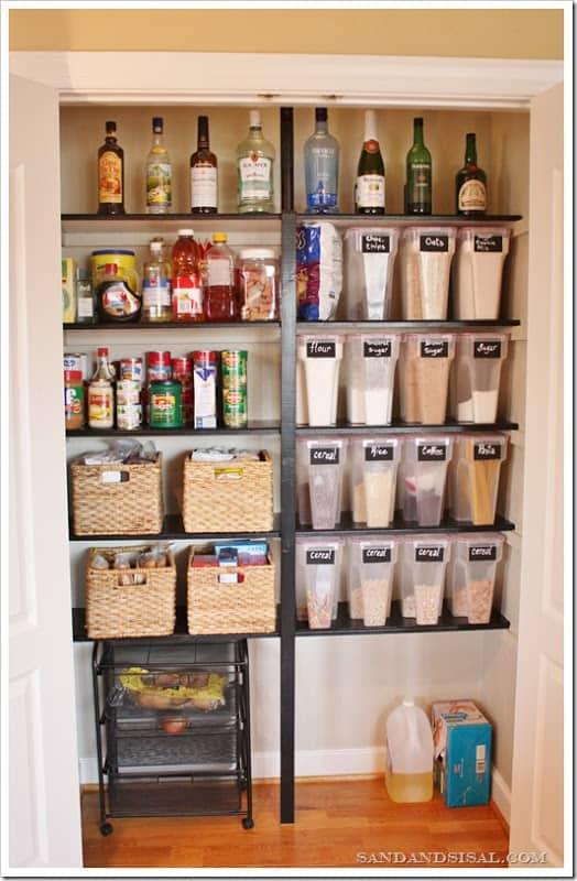 organized pantry3[7]