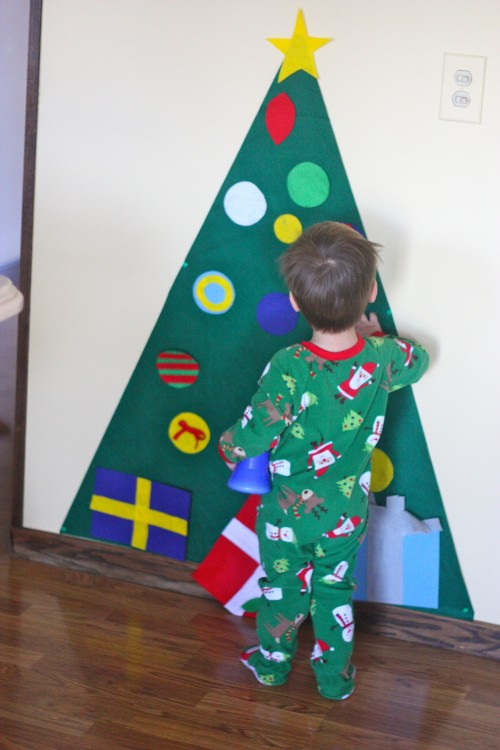 More than 20 crafts and activities for the Holidays.