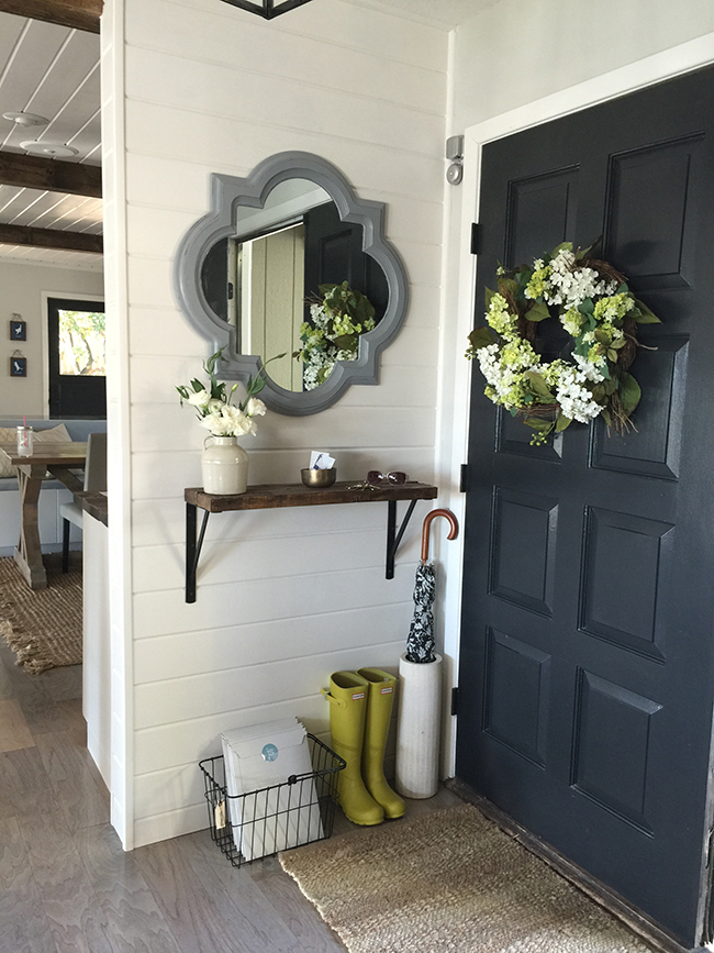 Mudroom Storage Systems : Entryway storage solutions