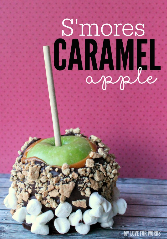 Want a delicious treat that tastes just like summer? Smores Caramel Apples are the perfect dessert or party favor, and they're super easy and inexpensive to make yourself.