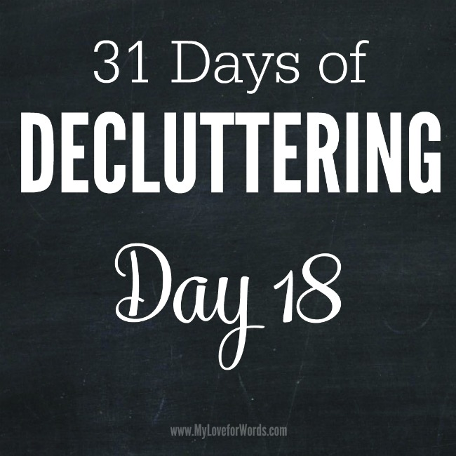 Take control of your clutter with the 31 Days of Decluttering challenge!
