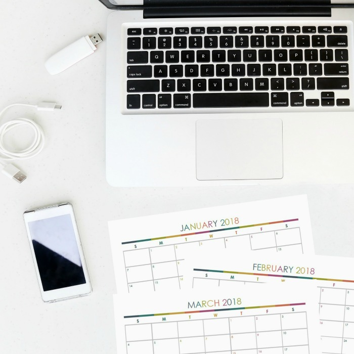Grab your free printable monthly calendar for October 2017- December 2018 so you can have your most organized year yet!! Home Organization- Home Binder and Planner Tour, organization, organizational printables, organized, productivity, planning, productive, pretty printables, organize your life, organized life, home management binder, how to get organized